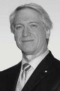 Stephen Hinshaw headshot