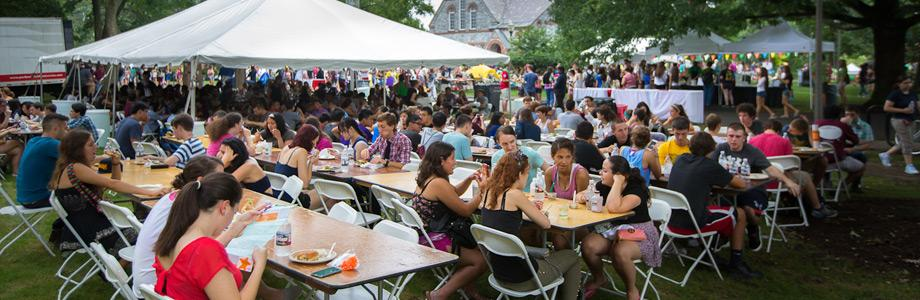 Students Dining at U.Fest 2013