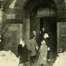 Students on campus in 1946