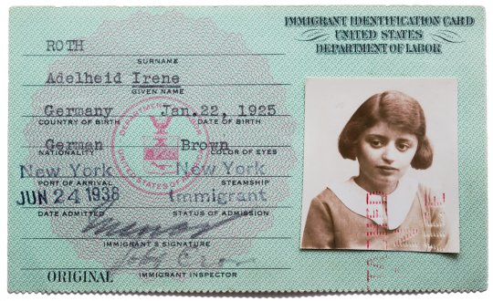 Jewish American Immigration Card from 1925