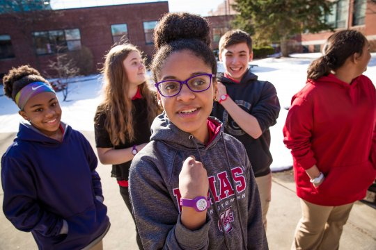 Springfield Students Show off their Wristbands