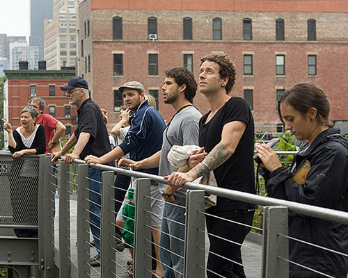Ann Doran teaches a class on the High Line in NYC