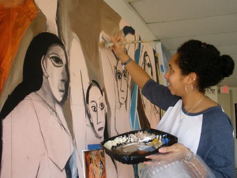 Commonwealth Honors college art student