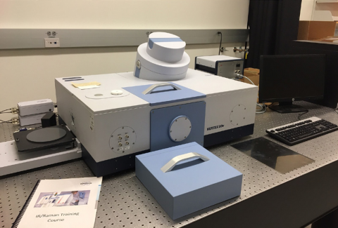 Bruker Vertex 80 Fourier Transform Spectrometer