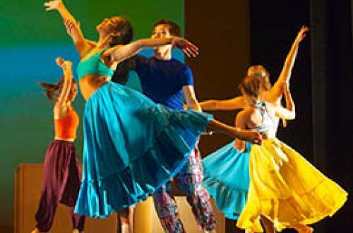 UMass dancers