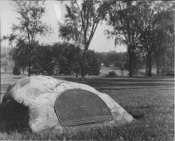 Pioneer class of 1871 memorial rock, ca. 1921