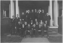 Class of 1907 in front of the veterinary science building, ca. 1907