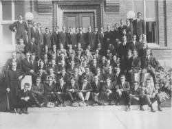 Class of 1913 portrait outside Clark Hall, 1913. University Photograph Collection (RG 130). Special Collections and University Archives, University of Massachusetts Amherst Libraries