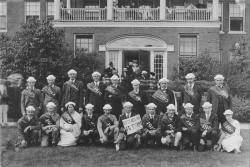 Barnes, Lincoln Wade. Class of 1915 reunion , ca. 1915. University Photograph Collection (RG 130). Special Collections and University Archives, University of Massachusetts Amherst Libraries