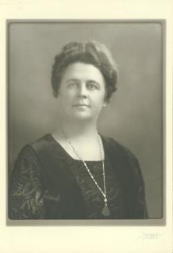 Lottie Leach, 1933