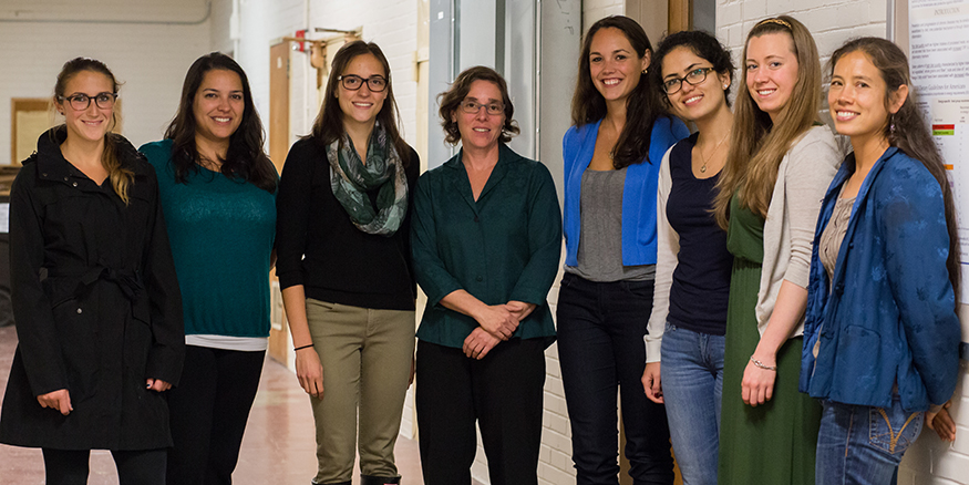 Professor Lisa Troy and the Nutrition Assessment Lab members