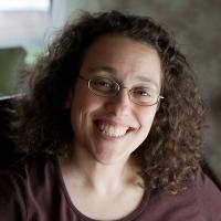 headshot of Linda Tropp