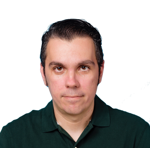 Photo of Río Hernández, Project Manager at the UMass Translation Center