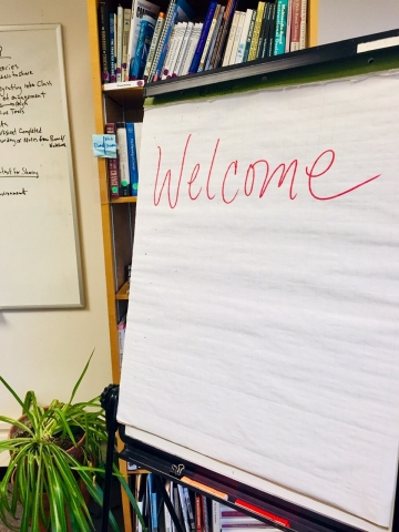 Flipchart that says Welcome.